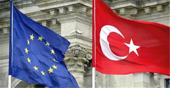 """بررسی مولفه های دکترین """"عمق استراتژیک"""" داوداوغلو و تأثیر آن بر سیاست منطقه ای ترکیه"""