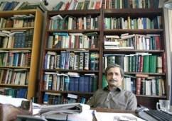 بررسی ادعاهای ناصر پورپیرار در کتابهای دو قرت سکوت و پلی بر گذشته