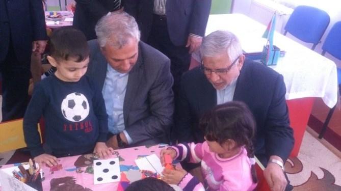وزیر کار در جمع کودکان جنگ زده جمهوری باکو