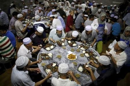 دروغ و گزافه برخی رسانه های ترکیه در خصوص اعمال فشار به مسلمانان چین