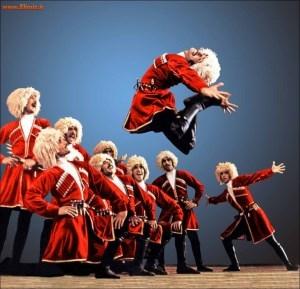 چگونه برای آذربایجان رقص و لباس جعل شد/ برساخته های جدید شوروی جایگزین فرهنگ اصیل آذری