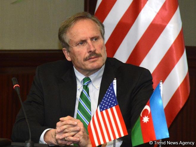 کمک یک میلیارد و 300 میلیون دلاری آمریکا به جمهوری باکو طی 25 سال