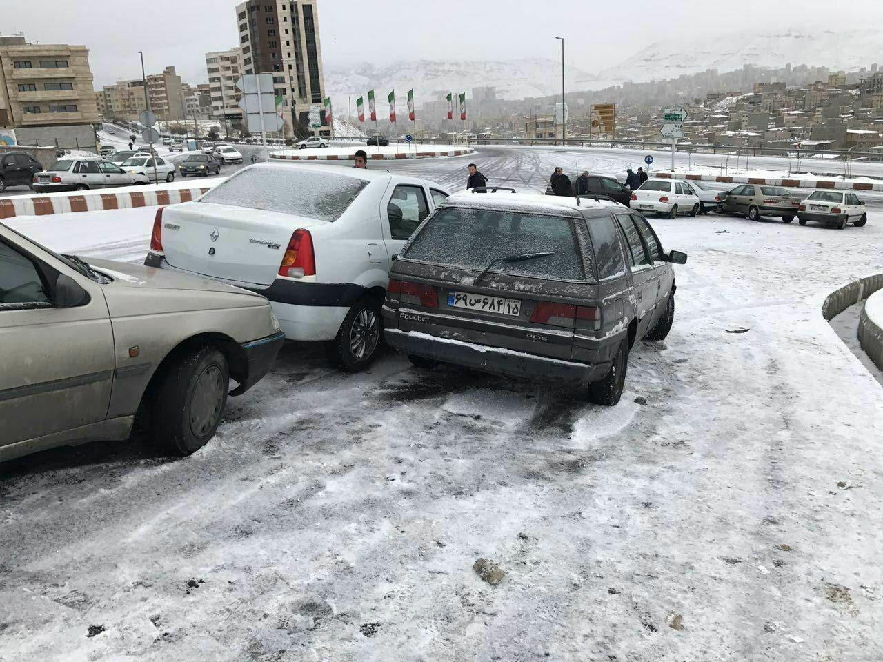 خسارات جانی و مالی لغزندگی معابر عمومی در تبریز / شهرداری تبریز تدبیر کند