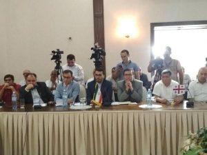 هیات ایرانی کنفرانس آزادی قراباغ(!)از مزار پیشه وری سر در آورد!