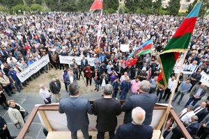 انتقاد تحلیلگر باکویی از رویکرد ضدایرانی حزب مساوات در میتینگ آزادی قراباغ
