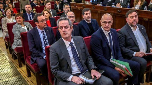 دیوان عالی اسپانیا نُه تن از رهبران جدایی طلب کاتالونیا را جمعا به صد سال زندان محکوم کرد