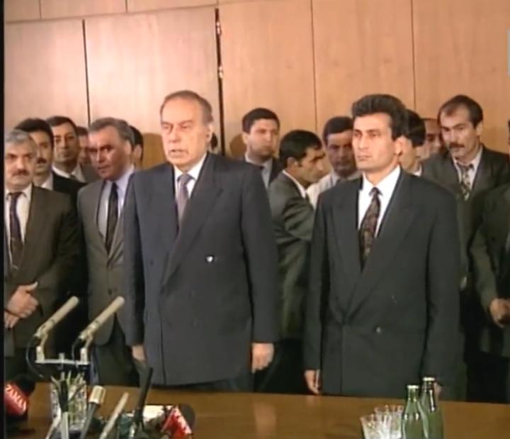 افشاگری جدید وزیر دفاع اسبق باکو در خصوص کارشکنی جبهه خلق برای وقوع حادثه خوجالی